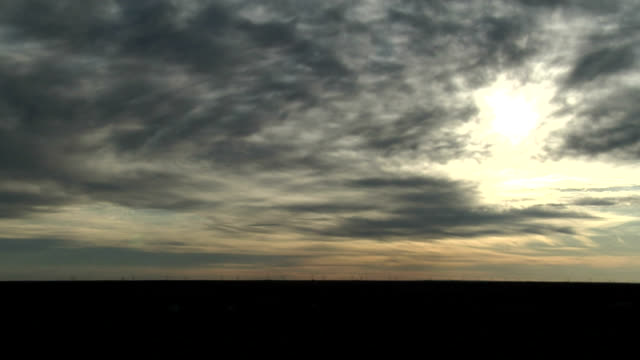 vidéos et rushes de sun rising through altocumulus, timelapse - altocumulus