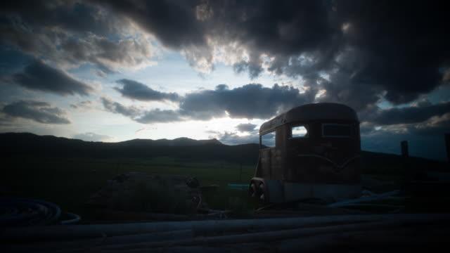黃石國家公園的日落。 - 懷俄明州 個影片檔及 b 捲影像