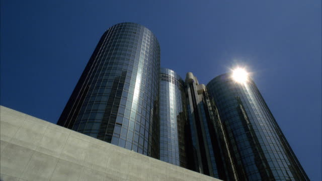 WS Sun shining over Bonaventure hotel towers / Los Angeles, California, USA