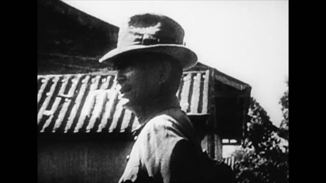 vídeos y material grabado en eventos de stock de sun yat sen speaking to crowd / uprising crowd - chino oriental