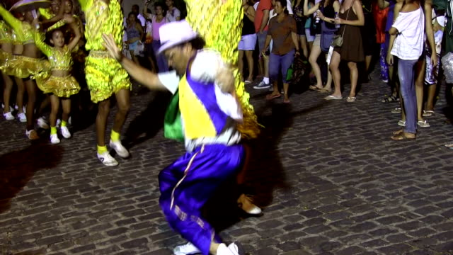 Sunday music and dance along the streets in preparation for the carnival, Brazil, Olinda,