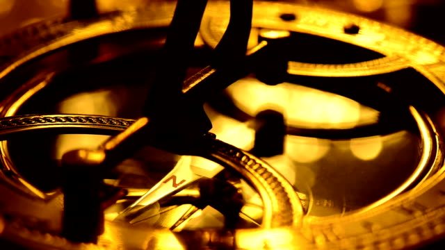 sonnenuhr compass - kompass stock-videos und b-roll-filmmaterial