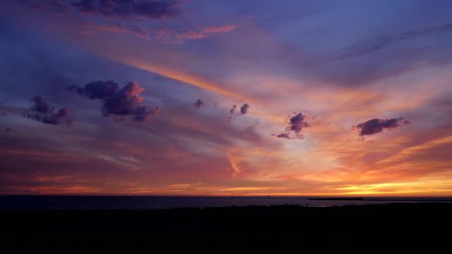Lapso de tiempo de caída de la noche de sunet afterglow