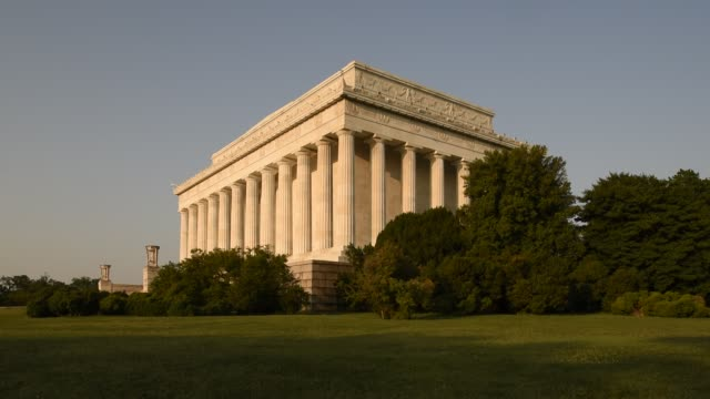 sunlight illuminates the lincoln memorial's doric columns early in the day. - doric stock videos & royalty-free footage