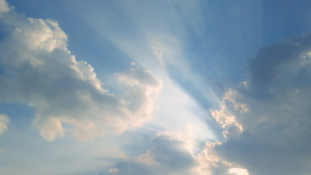 sunlight on sky shot on smartphone - luce ultravioletta video stock e b–roll
