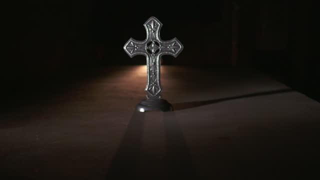 sunlight through a cross - pastor stock videos & royalty-free footage