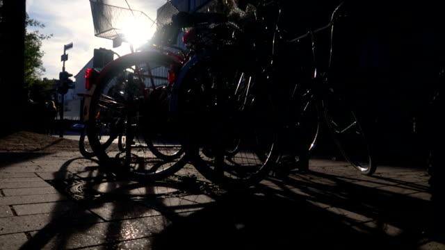 Sunlight through bicycle - Stock Video