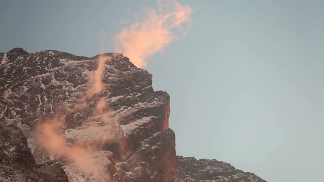stockvideo's en b-roll-footage met sunlit himalaya cloud - annapurna range