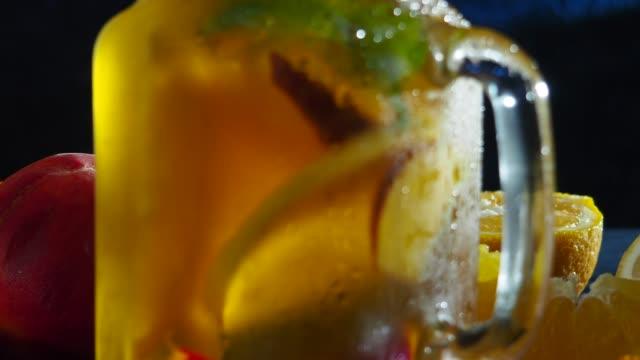 Zonnige vruchten drankje