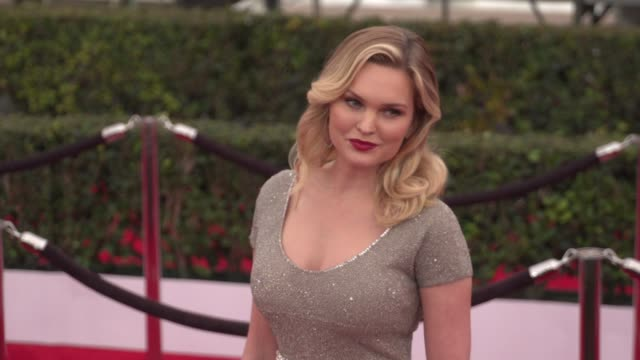 sunny mabrey at the 22nd annual screen actors guild awards arrivals at the shrine auditorium on january 30 2016 in los angeles california 4k - shrine auditorium stock videos & royalty-free footage