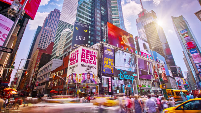 sunny time square - esposizione lunga video stock e b–roll
