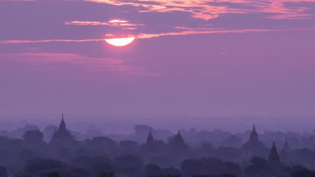 Lever du soleil de Bagan, Myanmar timelapse 4 k