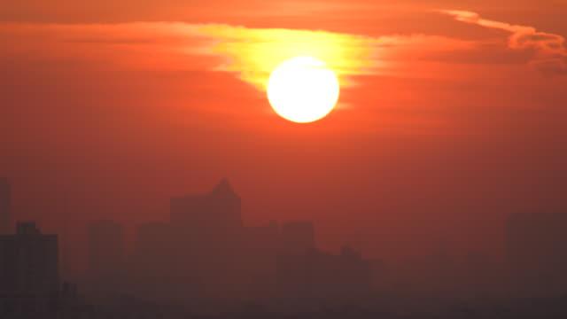 sunrise in bangkok city - bangkok stock-videos und b-roll-filmmaterial
