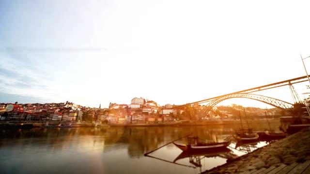 vídeos de stock, filmes e b-roll de nascer do sol em oporto, portugal - porto distrito