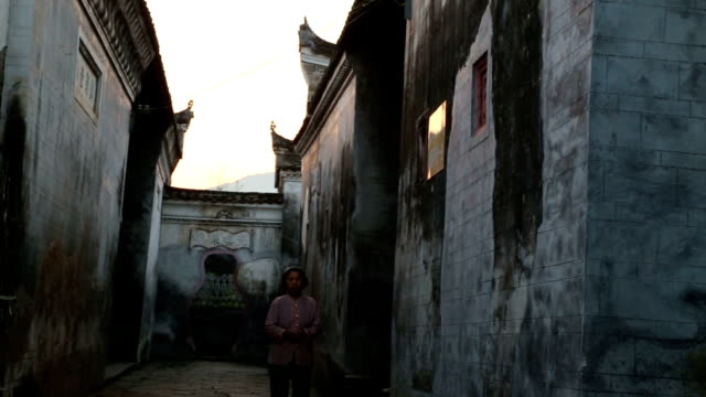 Sunrise in the Lean Liukeng village, a village full of Ming Qing dynasty buildings