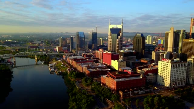 vídeos de stock e filmes b-roll de sunrise on the nashville skyline - tennessee