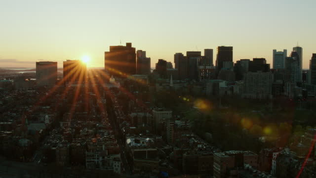 sunrise over boston massachusetts - boston massachusetts点の映像素材/bロール