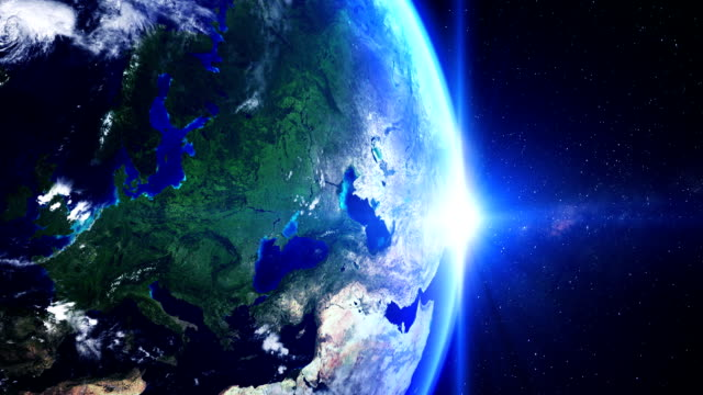 stockvideo's en b-roll-footage met sunrise over europe from space - majestueus
