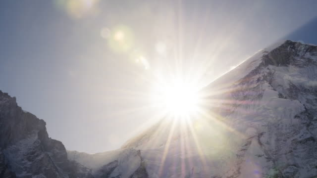 stockvideo's en b-roll-footage met sunrise over lhotse next to mt everest in the nepal himalayas - mount everest