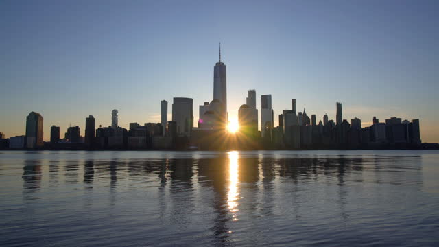 sunrise over manhattan skyline / new york city, ny, usa - real time stock videos & royalty-free footage