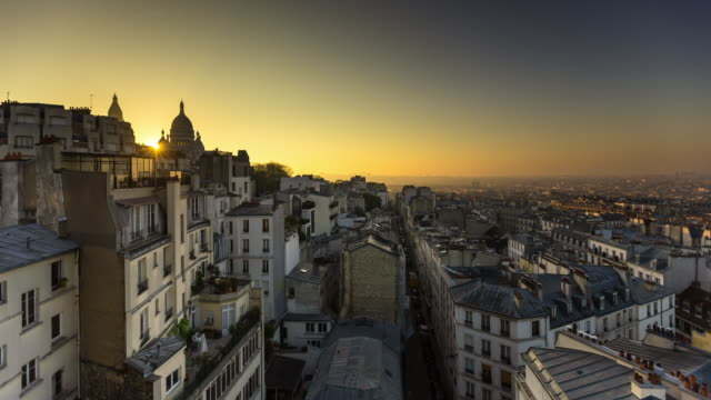 sunrise over sacré cœur - timelapse - basilique du sacre coeur montmartre stock videos & royalty-free footage