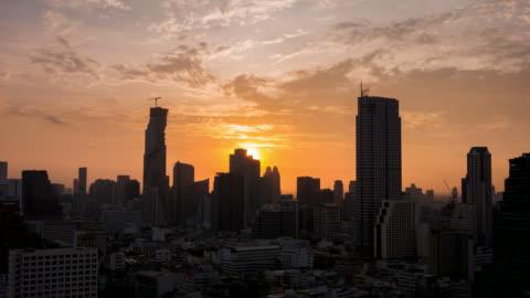 soluppgång över bangkok staden - varmt ljus bildbanksvideor och videomaterial från bakom kulisserna