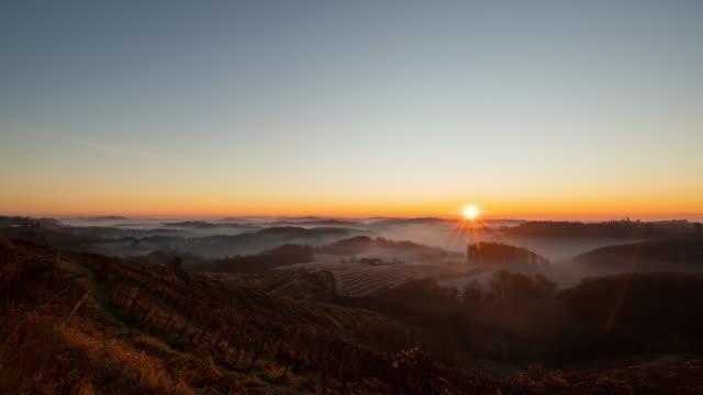 T/L lever du soleil sur la campagne