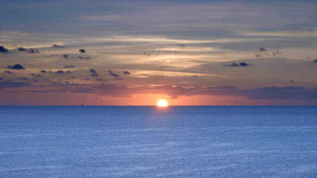sunrise over the ocean - horizon over water stock videos & royalty-free footage