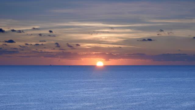 海上日出 - horizon over water 個影片檔及 b 捲影像