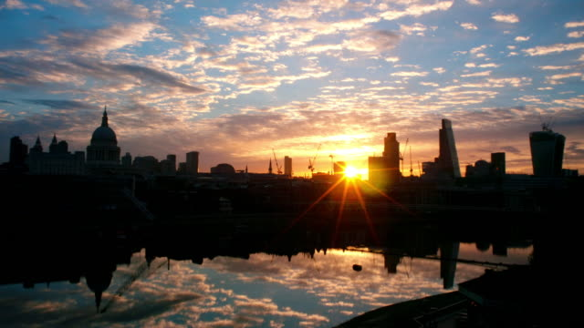 Sunrise Thames Reflections City of London