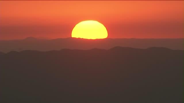 KTLA Sunrise Time Lapse Over Los Angeles