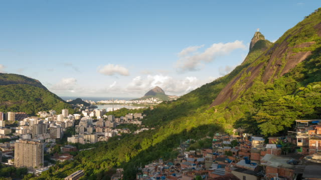 vidéos et rushes de sunrise time-lapse of rio from the hills behind the city. - corcovado