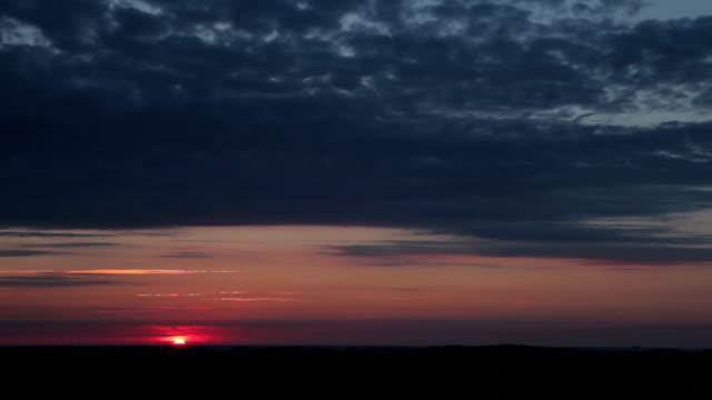 """vídeos de stock, filmes e b-roll de sunrise """"(grande) - horizonte"""