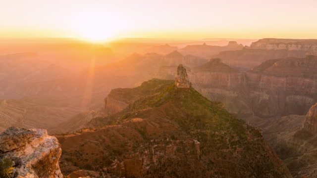 vídeos de stock e filmes b-roll de sunrise - grand canyon