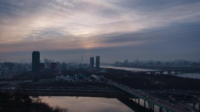 Sunrise view of Seoul Forest (the third largest park in Seoul city) and Seongsu Bridge in Seongdong-gu, Seoul
