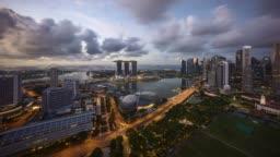 Sunriseat Singapore Marina Bay skyline