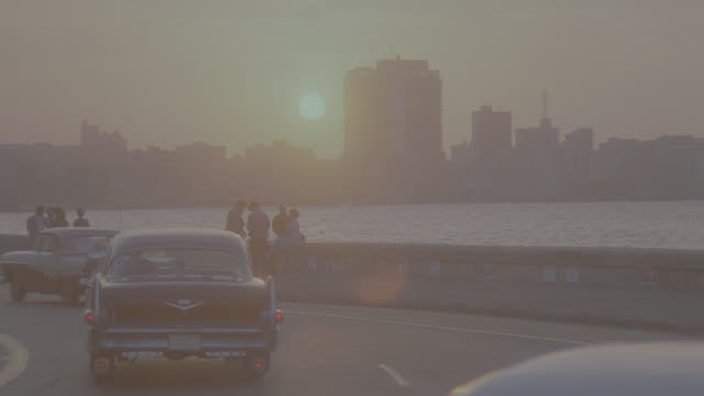 dusk sunrise/sunset havana skyline - latin america stock videos & royalty-free footage