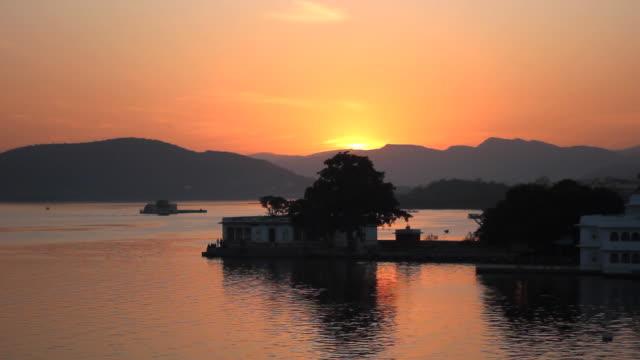 Tramonto un lago Pichola, Udaipur, india