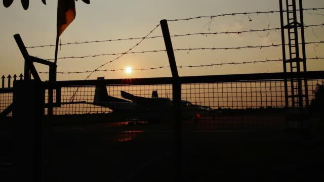 Sonnenuntergang in Luft Feld