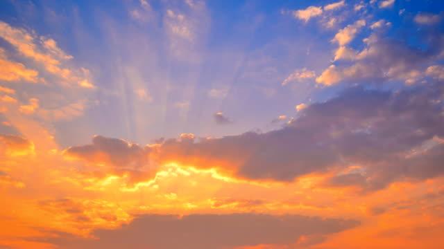 Sonnenuntergang am Cloud Zeitraffer 4K