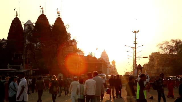 Zonsondergang op de straten van Delhi