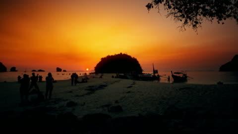 在甲米的日落 - 披披群島 個影片檔及 b 捲影像