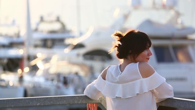 sonnenuntergang in porto montenegro - jachthafen stock-videos und b-roll-filmmaterial