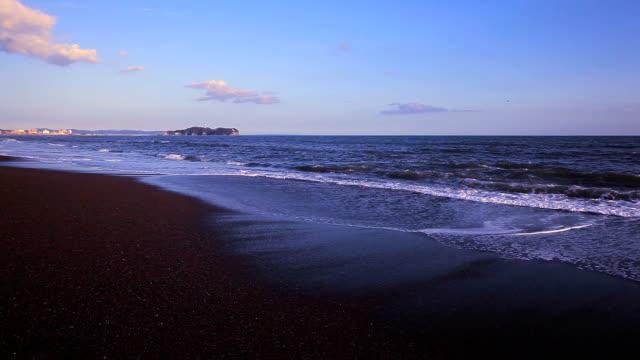 spiaggia di tramonto - plusphoto video stock e b–roll