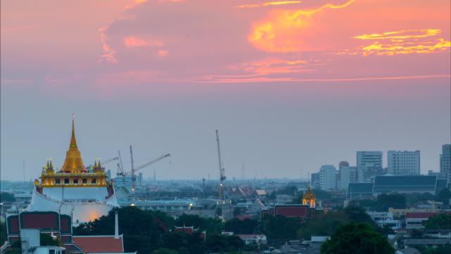 日没の美しいタイの寺院 - バンコク県点の映像素材/bロール