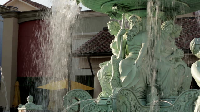 vídeos de stock, filmes e b-roll de fontes do pôr-do-sol - escultura