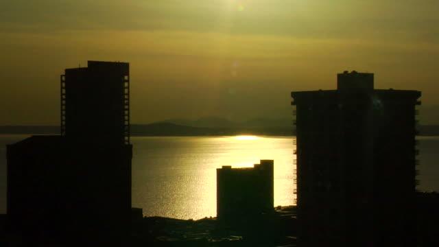 sunset in seattle - elliott bay bildbanksvideor och videomaterial från bakom kulisserna