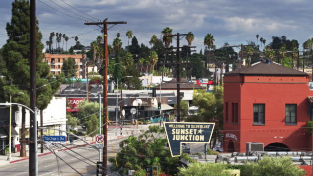 sunset junction, los angeles - aerial shot - sunset boulevard stock-videos und b-roll-filmmaterial