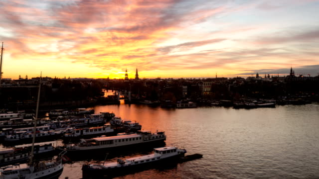 TIME LAPSE: Sunset moments on Amsterdam