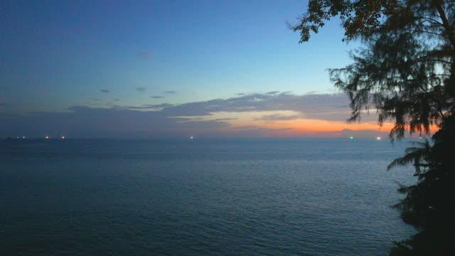HD - Sunset on the beach